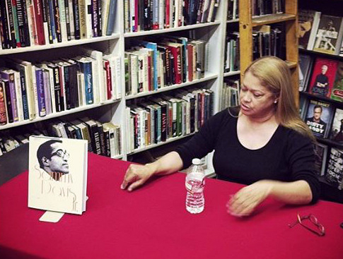 Tracey Davis at a book signing in 2014